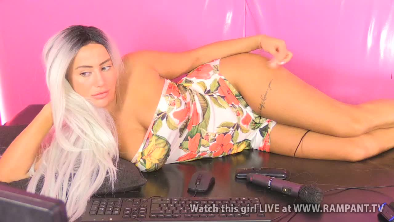 Bella - Babestation Day Extra(23 September 2018)